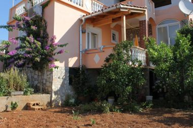 Apartmani Ralje - 100m from the sea & free parking: A1(2+1), A2(2+1) Sali - Dugi otok