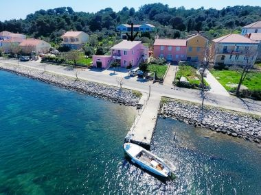 Apartmani Zvone1  - at the water front: A4(2+2), A5(2+2), A6(2+2) Veli Rat - Dugi otok