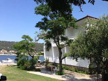 Apartmani Coastal home - 10 m from the sea: A1(4+1), A2(2), A4(4+1), A5(4+1) Supetarska Draga - Otok Rab